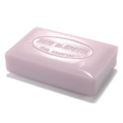 Perfumed gentle soaps, with sweet Amande oil